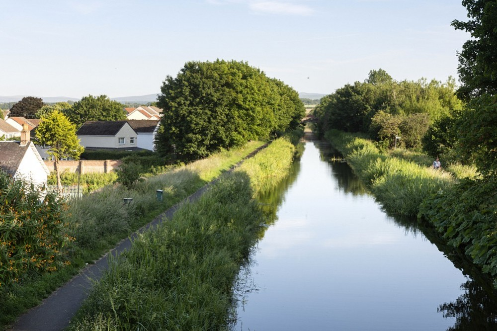 View S along the Union Canal, Broxburn