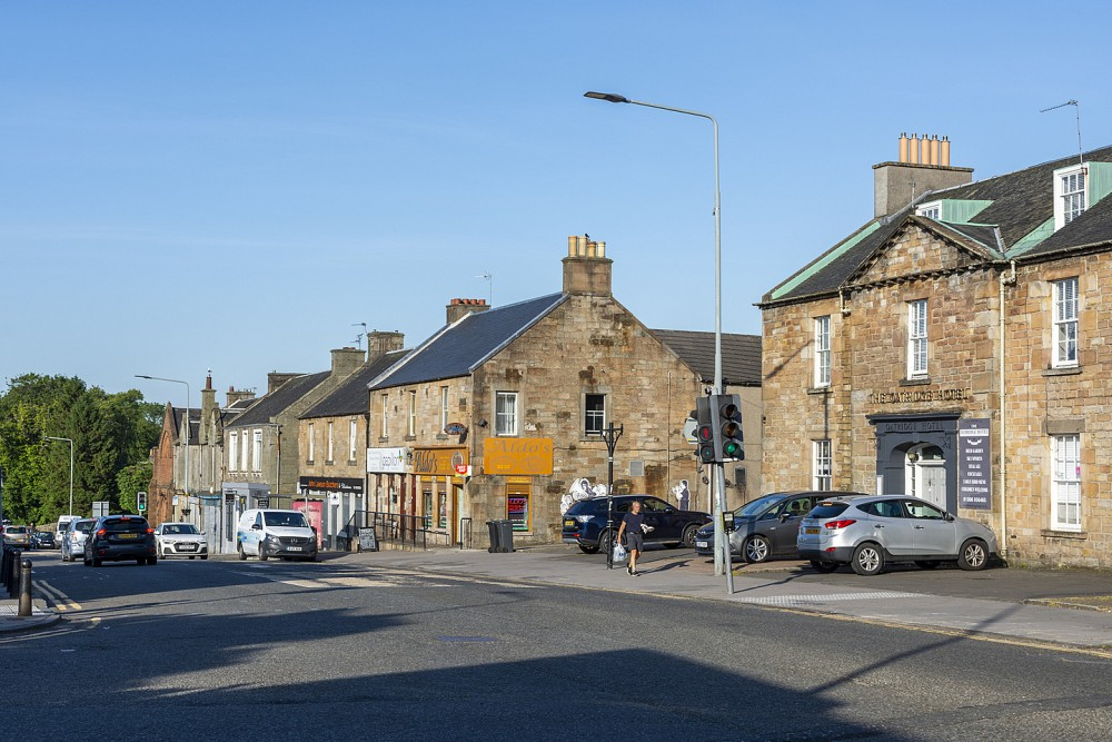 Main Street, Uphall
